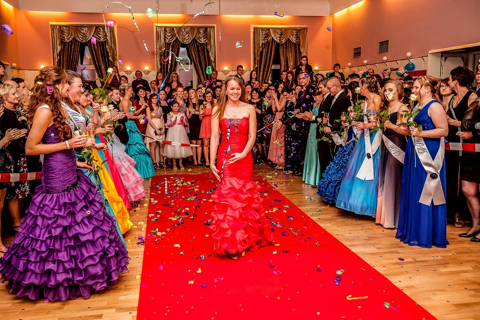focení maturitních plesů
