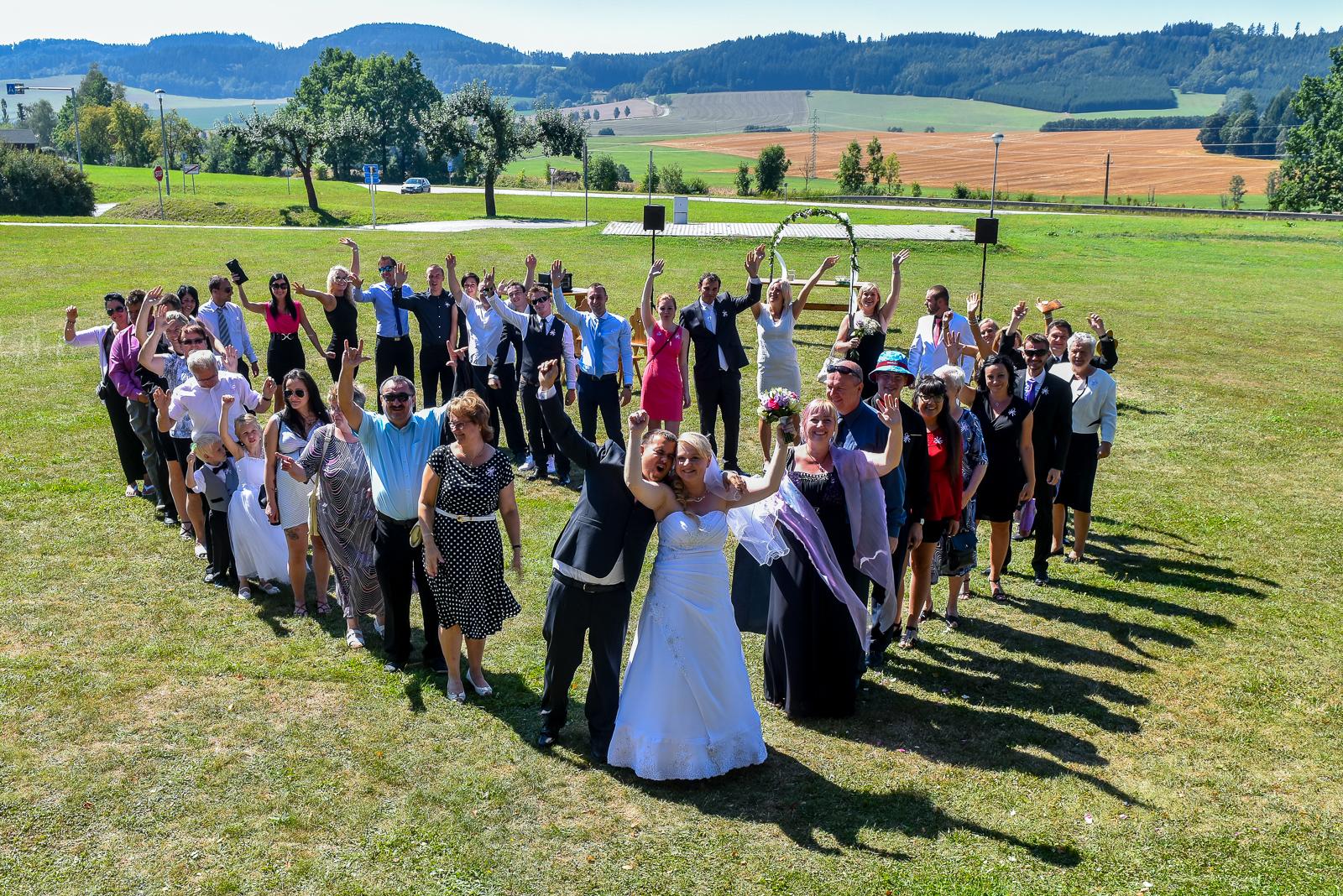 Jak zařídit, aby svatební focení bavilo i svatebčany?
