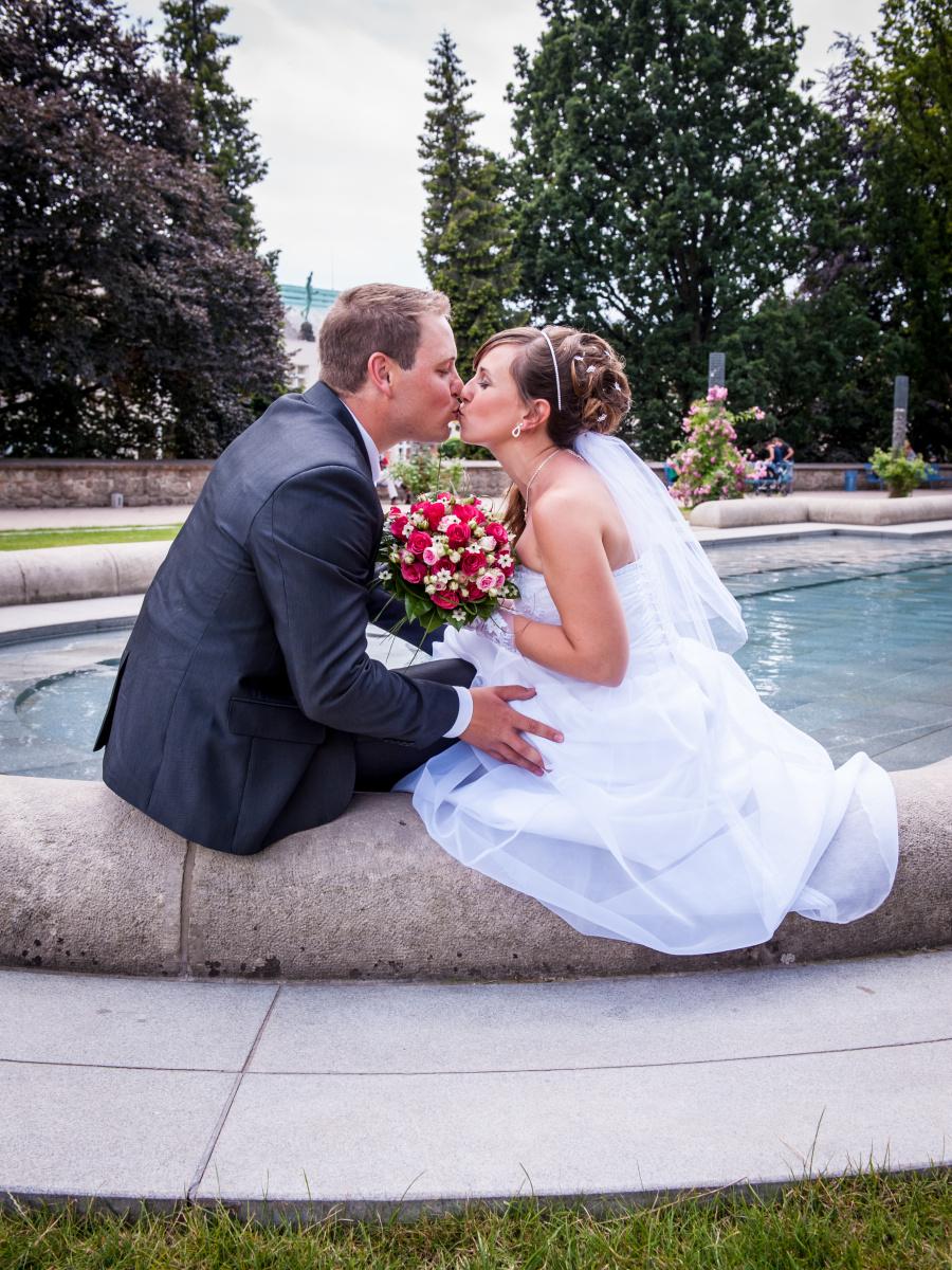 Jak zareagovat, když vám nečekaně odřekne svatební fotograf?
